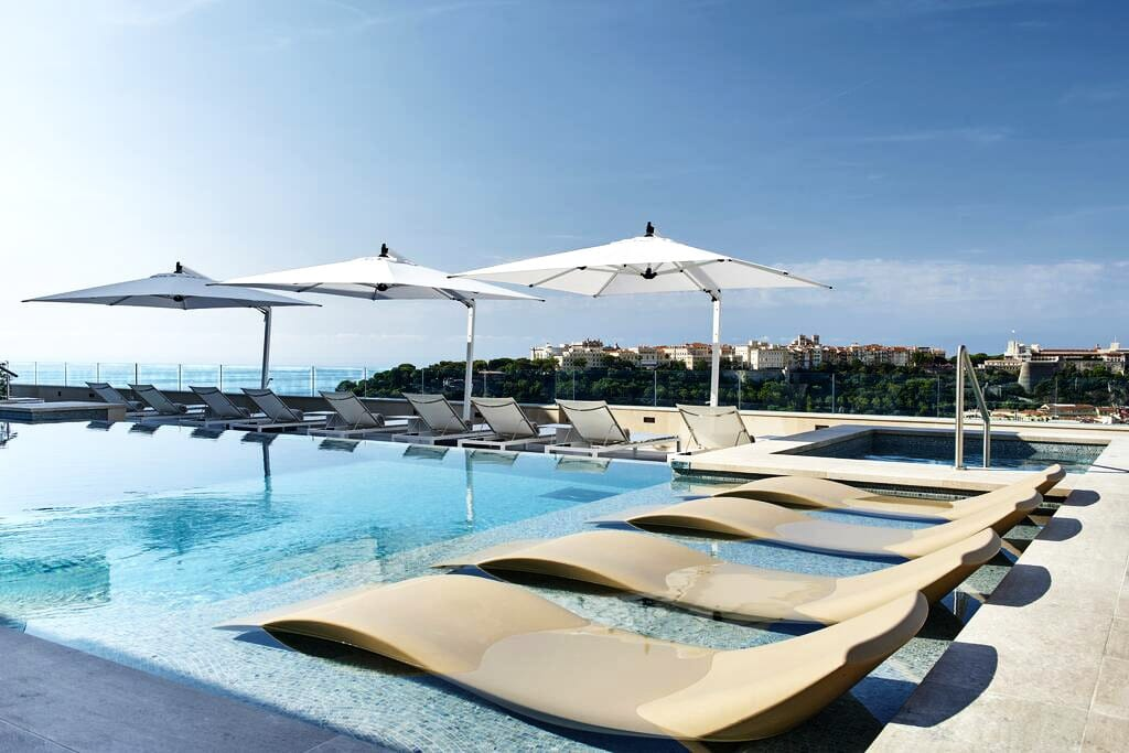 Swimming pool with sea view on the roof of the Hotel de Paris, Monaco
