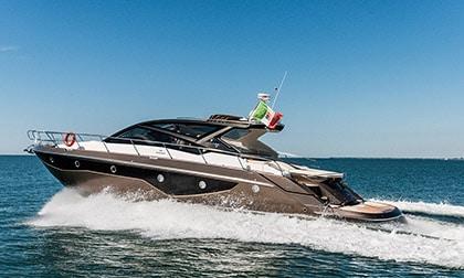 Location Yacht Cranchi 60