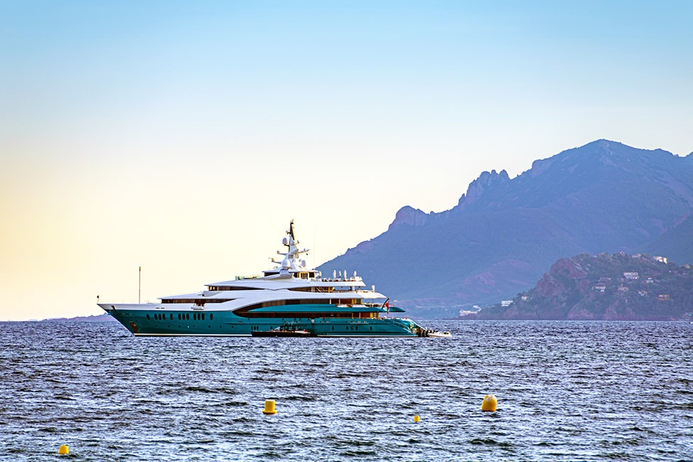 Chartered yacht cruising in Cannes