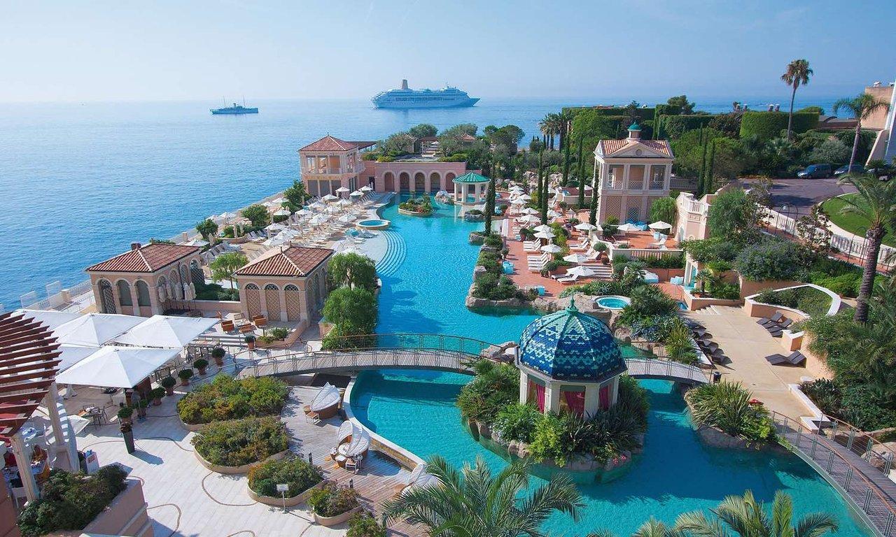 Swimming pool of the Hotel Monte-Carlo Bay, Monaco