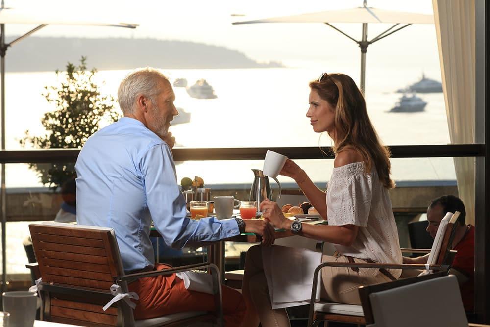 Photo of a couple having breakfast at Horizon Deck Monaco