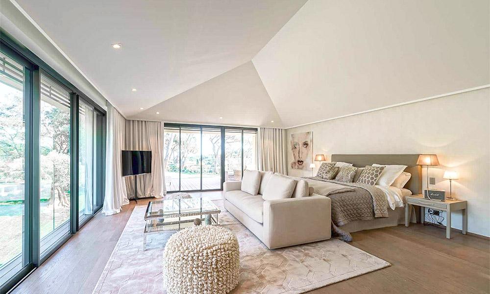 Luxury bedroom in Villa Lezardiere, Saint-Tropez, French Riviera