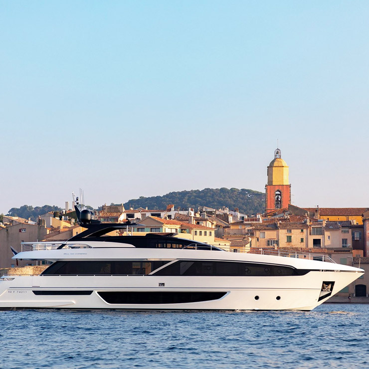 Yacht in the port of Saint-Tropez