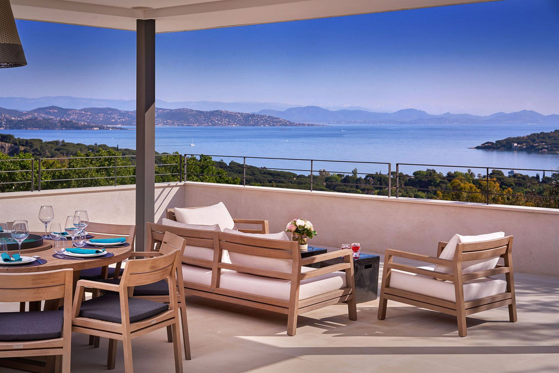 Luxury villa with sea view on the Route de Tahiti in Saint-Tropez