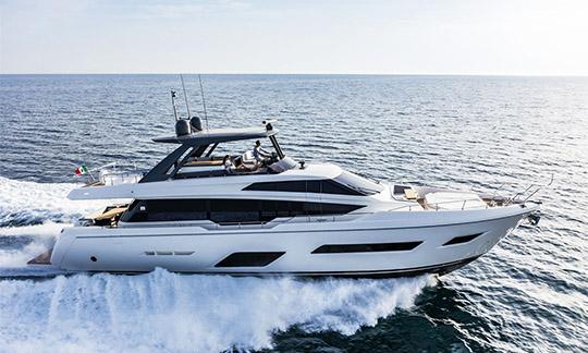 Luxury Ferretti yacht of 28 meters