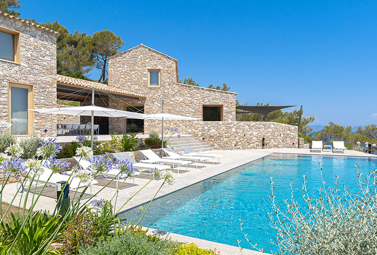 Luxury villa and pool with sea view in Saint-Tropez