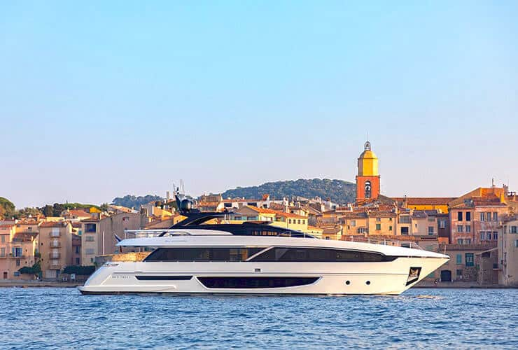 Luxury yacht in the Gulf of Saint-Tropez