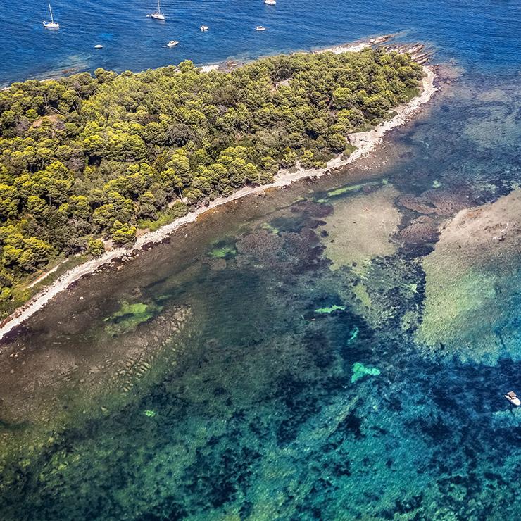 Photo aérienne de l'île de Lérins, Côte d'Azur, Sud de la France