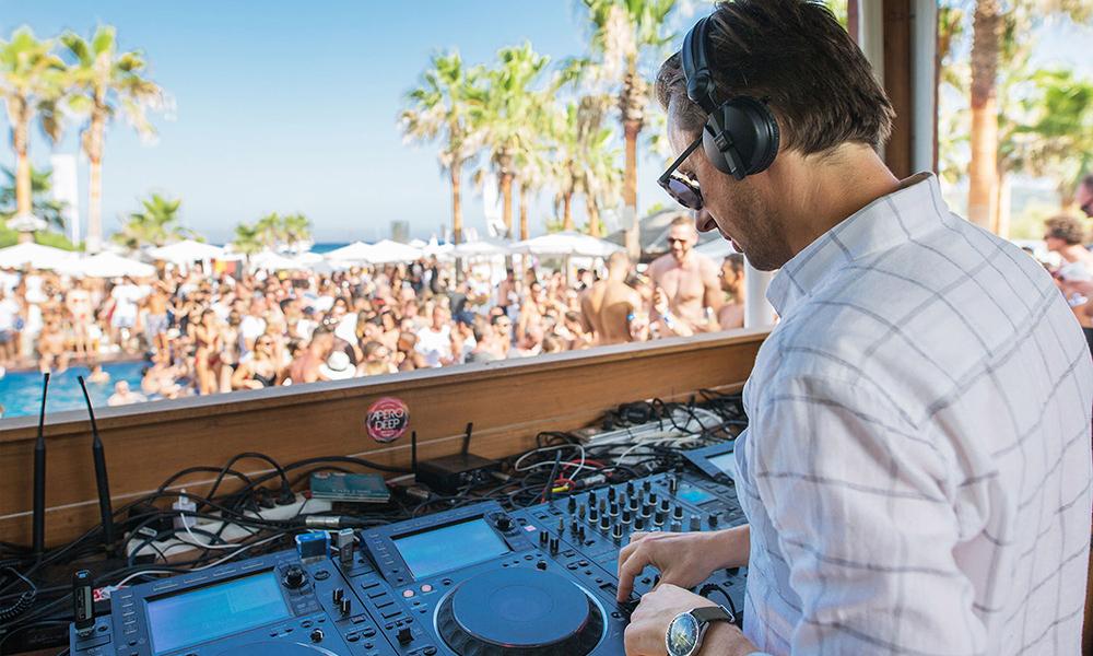 DJ au Nikki Beach Saint-Tropez