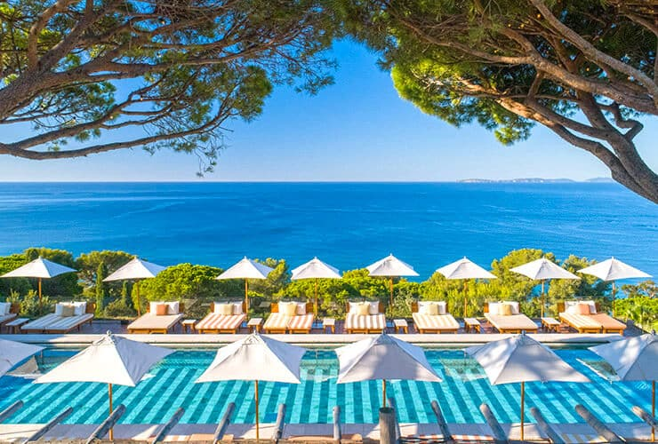 Luxury hotel with breathtaking sea views on the French Riviera