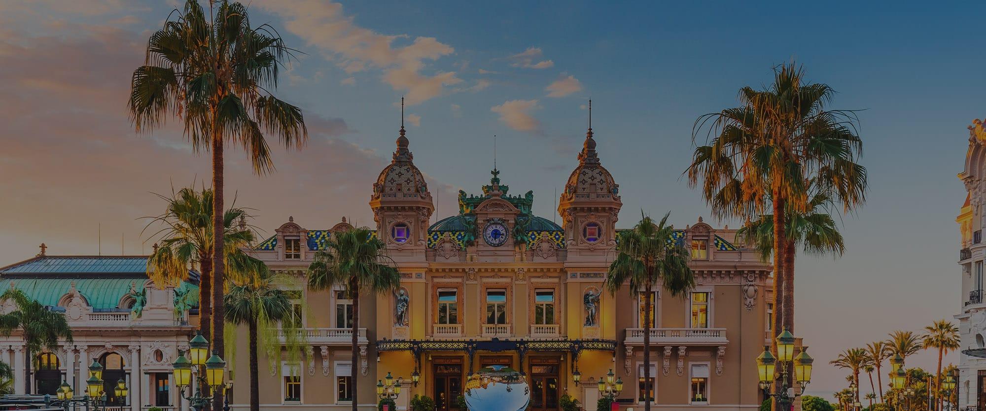 Façade du Casino de Monte-Carlo à Monaco, Côte d'Azur