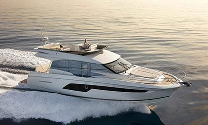 Location Yacht Prestige 520 Fly
