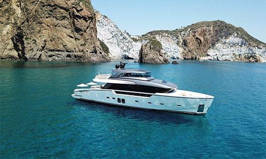 New yacht Sanlorenzo SX88