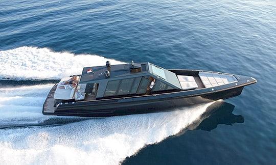 Yacht de luxe sur la Côte d'Azur, Sud de la France