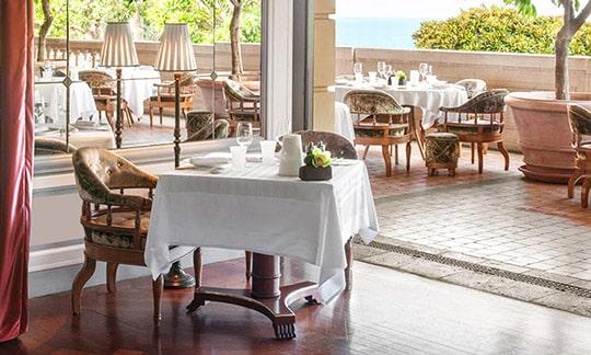 Restaurant sur la Côte d'Azur, Sud de la France