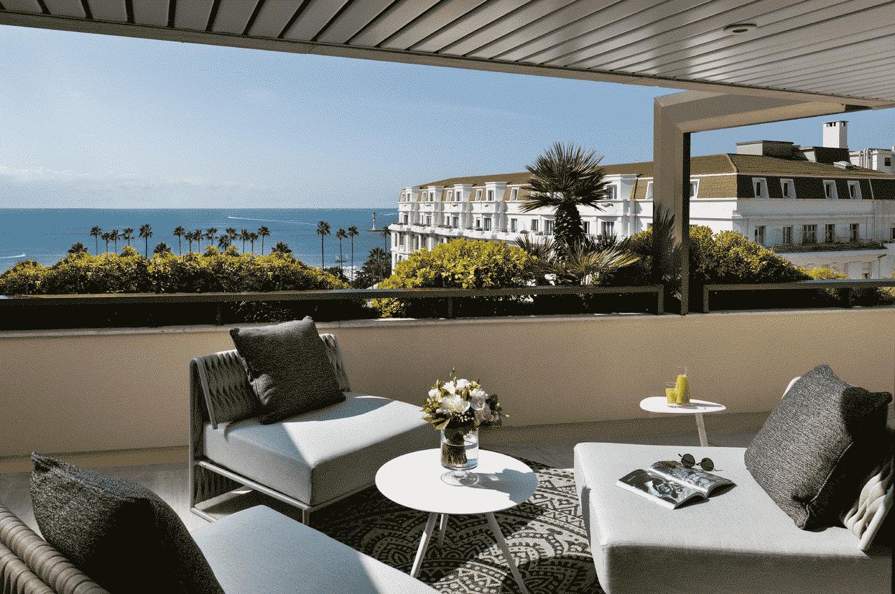 Vue depuis une chambre de l'Hôtel Barrière Le Gray d'Albion à Cannes