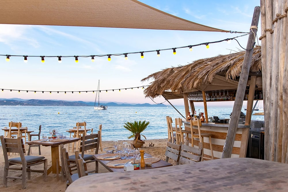 Photo of the restaurant and bar of the private beach Les Graniers, Saint-Tropez