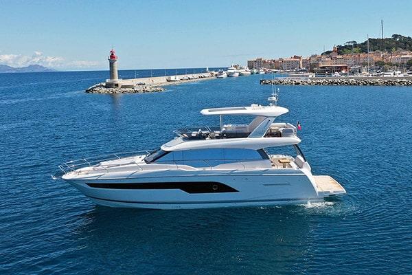 Prestige 630 Fly Yacht
