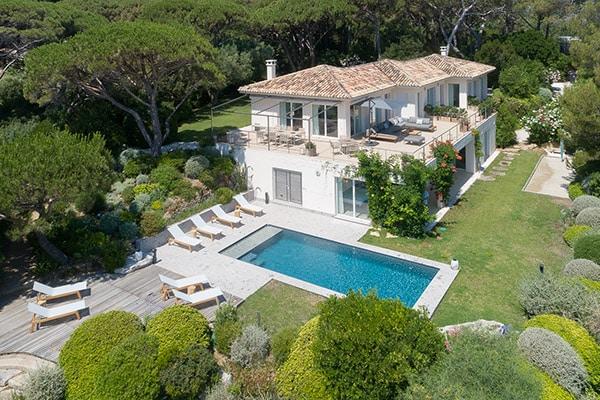 Villa de luxe avec vue mer dans les Parcs de Saint-Tropez
